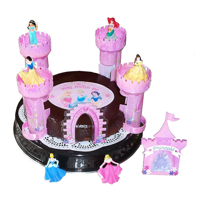 Disney Princess Cake Decoration Kit : Disney Princess Castle Cake Decorating Kit (1)
