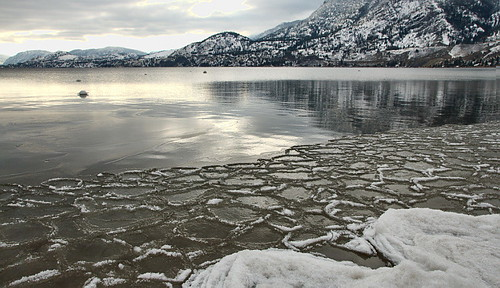 winter lake snow cold ice beach water landscape darkwater penticton reallycold skahalake icepancakes leauestcommelhuile bluemountainimages