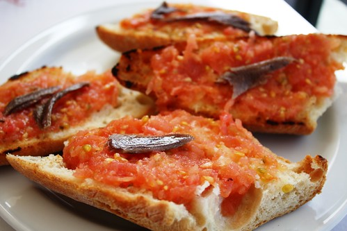 Pan con Tomate y Anchoas