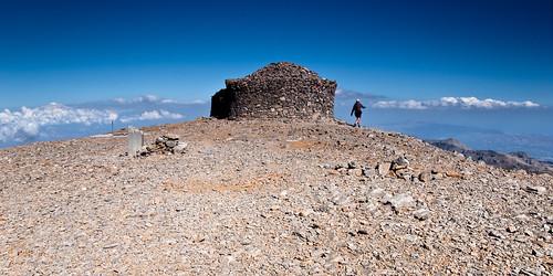 blue sky house mountain photography altitude nikond50 summit mountida sigma1850ex psiloritis acedave mountidi crete2009