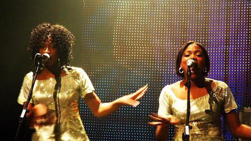 Backing singers