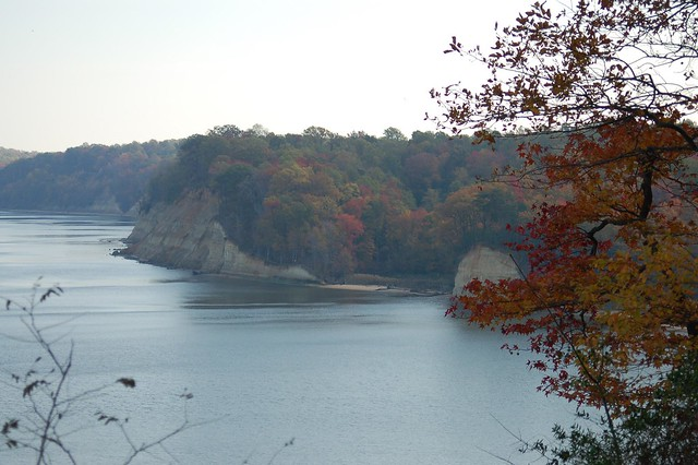 View from bluff overlooking the cliffs off the Potomac River