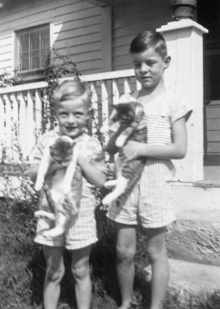 BA 34f bw Cary and David Barksdale 1944 | Nancy | Flickr