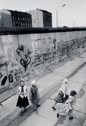 Turkish Girls, West Berlin Wall
