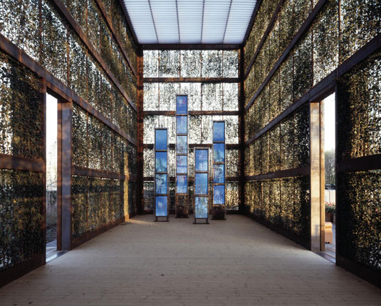 Hedge Building, Rostock, Germany