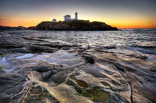 ocean york lighthouse sunrise dawn maine sigma moe cape 1020mm neddick nubble moe76
