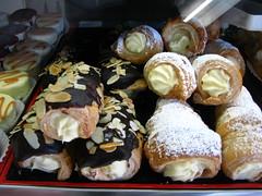 meal(0.0), breakfast(0.0), profiterole(0.0), baking(1.0), sweetness(1.0), baked goods(1.0), bakery(1.0), food(1.0), dish(1.0), pã¢tisserie(1.0), dessert(1.0), cuisine(1.0), danish pastry(1.0),