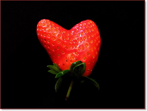 A strawberry  ♡  Love