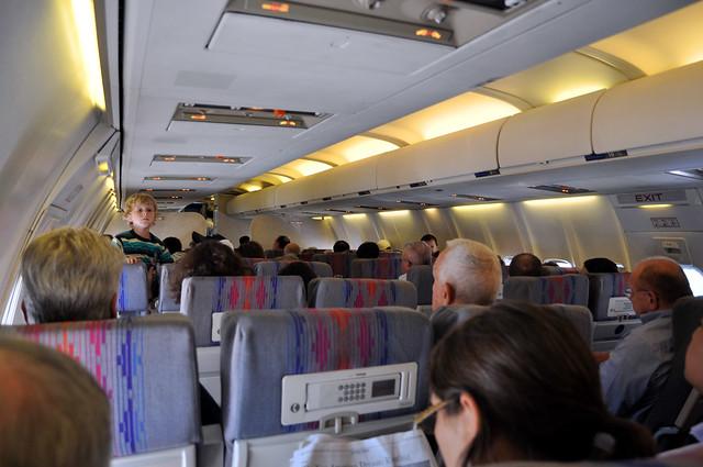 UA 737-500 N913UA
