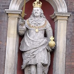 Worcester Guildhall - figure of Charles II