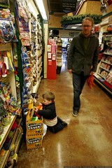sequoia showing austin the candy aisle    MG 6175