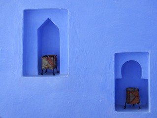 Deux lampes sur bleu