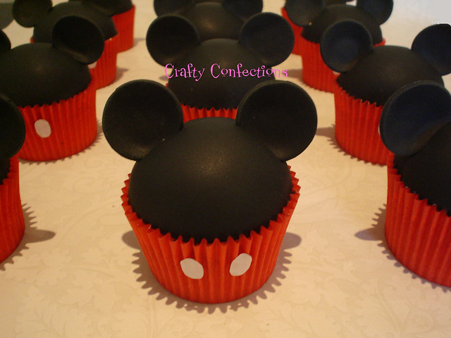 Pictures Of Mickey Mouse Cupcakes : Mickey Cupcake Appreciation Post