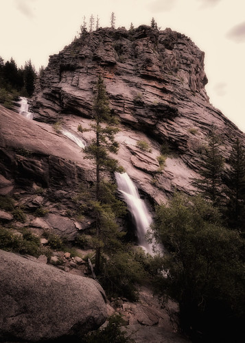 park mountain nature creek landscape rockies waterfall nikon colorado rocks veil nps rocky falls national ethereal co rmnp bridal 2009 enhanced sentimental cowcreek d300 clff