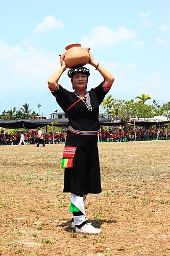 3V51阿美族傳統服飾