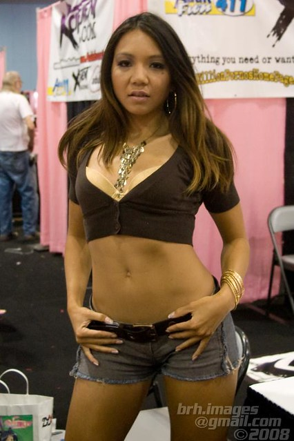 Keeani Lei @ Exxxotica 2008 | Flickr - Photo Sharing!: www.flickr.com/photos/brh_images/3905839536