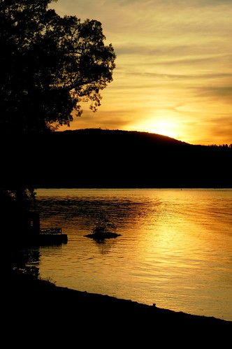 county autumn sunset ny fall nature silhouette river golden sony valley hudson alpha dslr soe dutchess staatsburgh impressedbeauty flkrdiainvthr