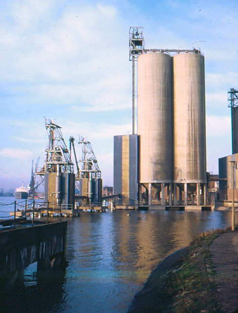 Silos at Glenvilles Ltd, Riverside Walk, Greenwich, 1973