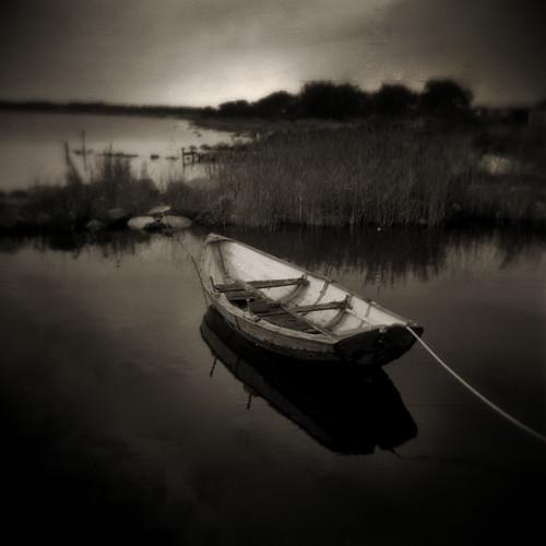 blackandwhite 6x6 monochrome boat holga sweden baltic scandinavia öland selfdeveloped 120fn fx39 högbyfyr
