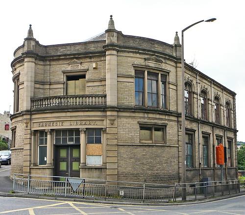 Glenaire Primary School And Nursery City And Borough Of