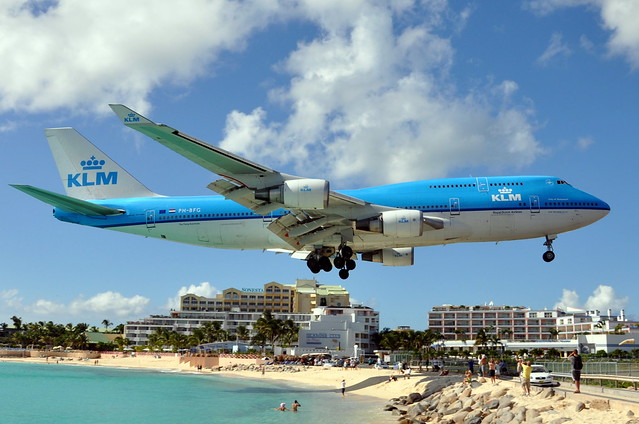 KLM Royal Dutch Airlines - Boeing 747-400 - PH-BFG - City of Guayaquil - Princess Juliana International Airport, St. Maarten (SXM) - September 12, 2009 505 RT CRP WM