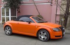 executive car(0.0), coupã©(0.0), automobile(1.0), automotive exterior(1.0), wheel(1.0), vehicle(1.0), automotive design(1.0), rim(1.0), audi tt(1.0), land vehicle(1.0), sports car(1.0),
