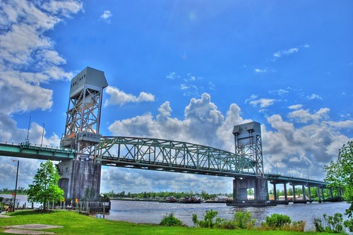 river nikon downtown northcarolina wilmington nikkor hdr capefearriver capefearmemorialbridge photomatix d80