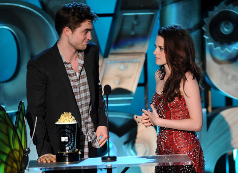 Robert Pattinson,Kristen Stewart