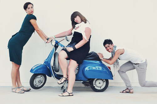 Vespa + girls by gingerengs