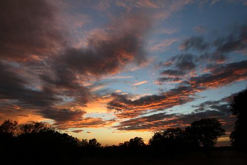 texas sunset sky clouds ihatetobegonesolong willmissyall hugs nophotoshop notimetoeditorplay boohoo omgilovemyspecialpetsyouknowwhoyouaretooihadtosneakinrealquick love hug toldyouyoucouldnotlast