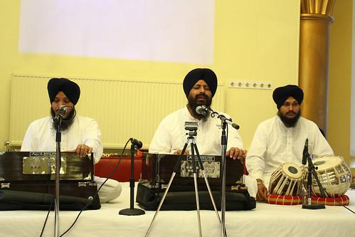 Bhai Satvinder Singh & Bhai Harvinder Singh Delhi Wale by H.Singh