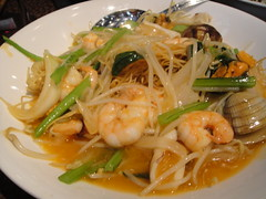 noodle, mie goreng, shahe fen, japchae, noodle soup, pancit, thai food, seafood, hokkien mee, char kway teow, food, dish, chinese noodles, yaki udon, pad thai, cuisine, chow mein,
