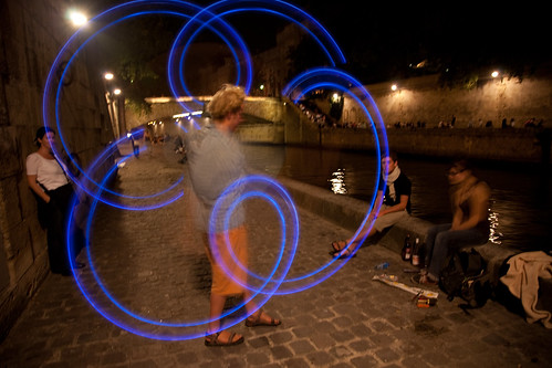 Glowsticks on the Seine by bump