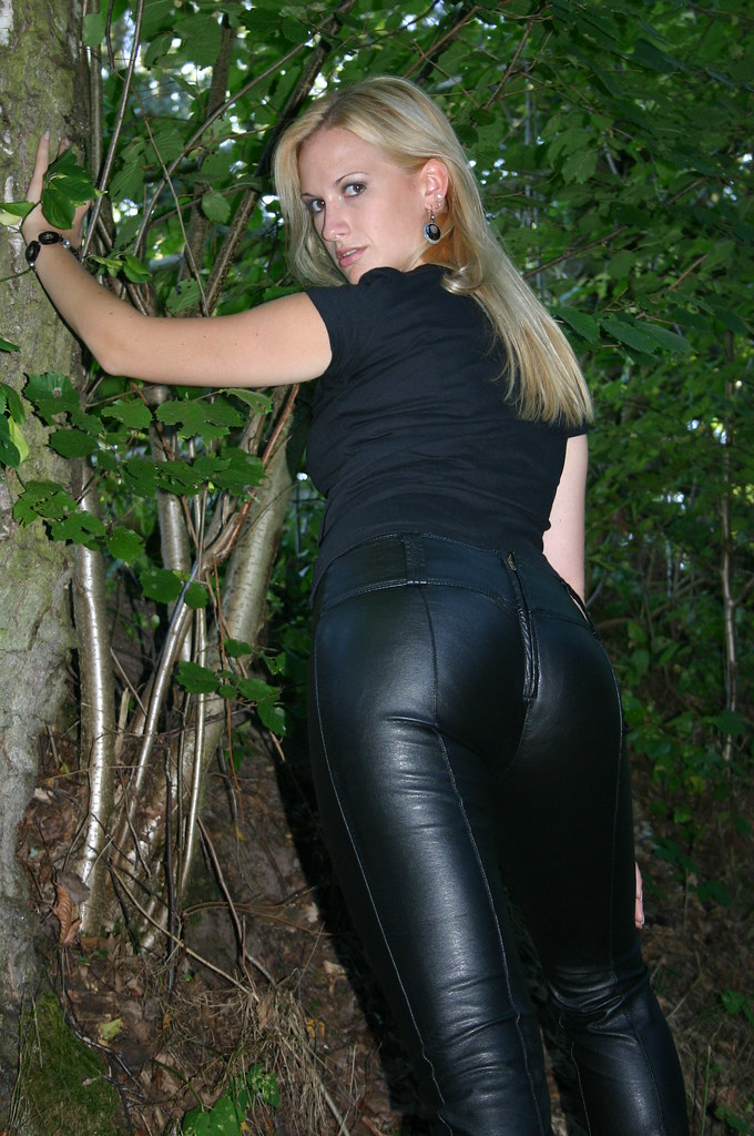 leathergirls's most recent Flickr photos | Picssr: http://www.picssr.com/photos/41753591@N04/page2