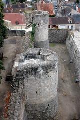 Château de Dourdan: les Tours des Chauffeurs et de la Vierge