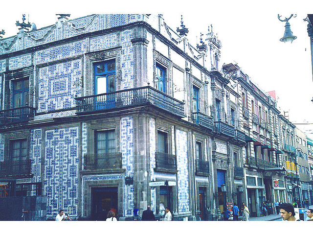 Casa de los azulejos centro historico mexico city for Casa de los azulejos centro historico