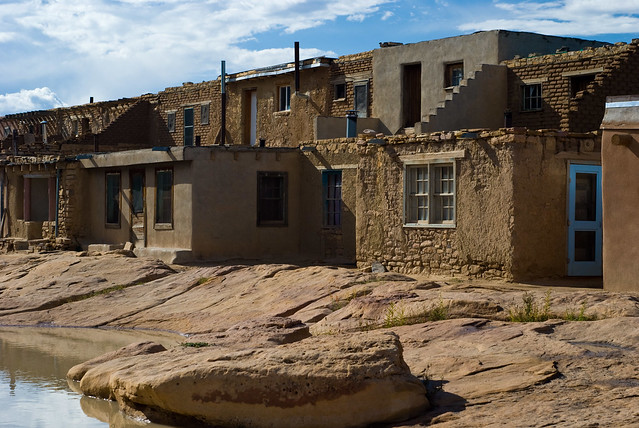 Acoma pueblo homes flickr photo sharing for Pueblo home builders