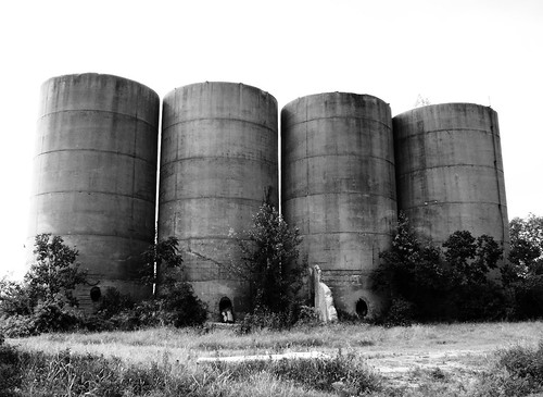 Old Gravel Silos, Buffalo Bayou, East of Jensen, Houston, Texas 0906091552BW