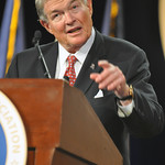 "Sen. Christopher ""Kit"" Bond, co-chair of the Senate National Guard Caucus, addresses the 131st National Guard Association of the United States General Conference"