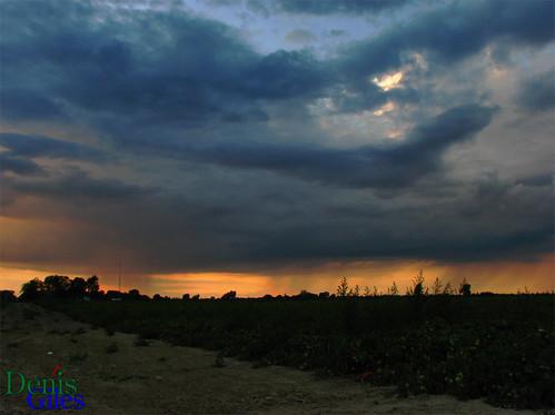 blue sunset sky orange cloud ontario canada storm rain canon chatham powershots3 denisgiles