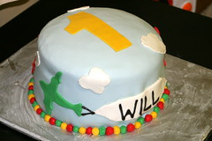 torte(0.0), cake(1.0), buttercream(1.0), fondant(1.0), baked goods(1.0), sugar paste(1.0), food(1.0), cake decorating(1.0), icing(1.0), birthday cake(1.0), pasteles(1.0), cuisine(1.0),