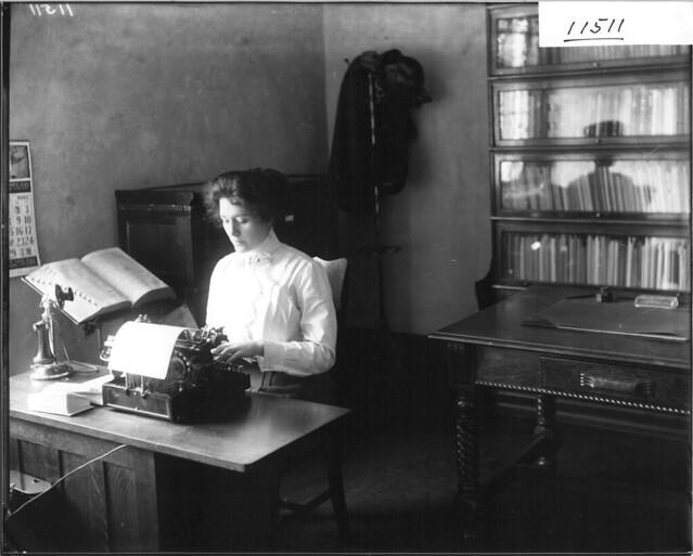 Secretary at typewriter 1912