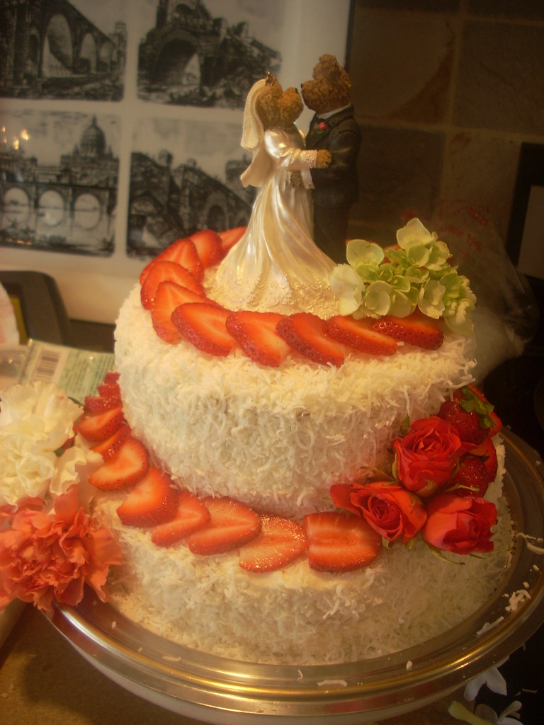 coconut wedding cake pictures cake decorating with fresh flowers 12892