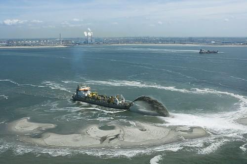 MV2 opspuiten zand luchtfoto mei