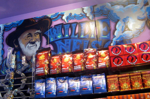 San Francisco - Haight-Ashbury: Puff Puff Pass - Willie Nelson