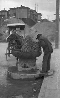 Drinking fountain at 7th and Jackson, 1911