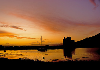 Lochranza castle at sunset
