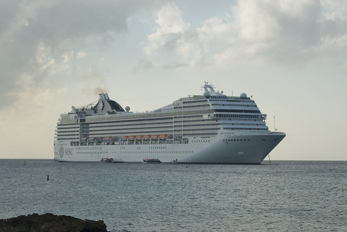 Cruise Ships visiting Grand Cayman