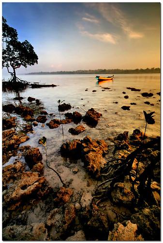 morning sea sunrise boat alone wide serene canoneosdigitalrebelxt sigma1020mm gradnd havelockisland aplusphoto