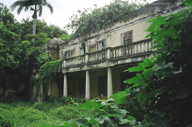 Abandoned plantation home taken during island safari for Plantation houses for sale in the south
